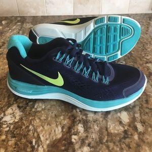 Nike Women's LunarGlide 4 Running Shoe